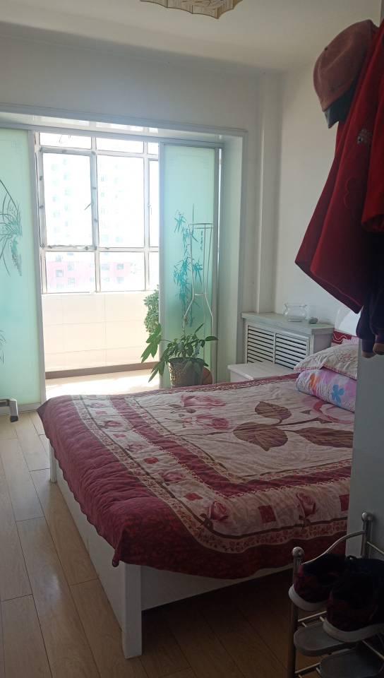 二建小区3室 2厅 1卫30万元