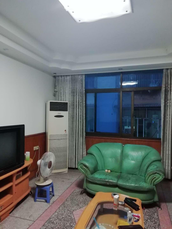 老筠中附近2室 2厅 1卫42.8万元