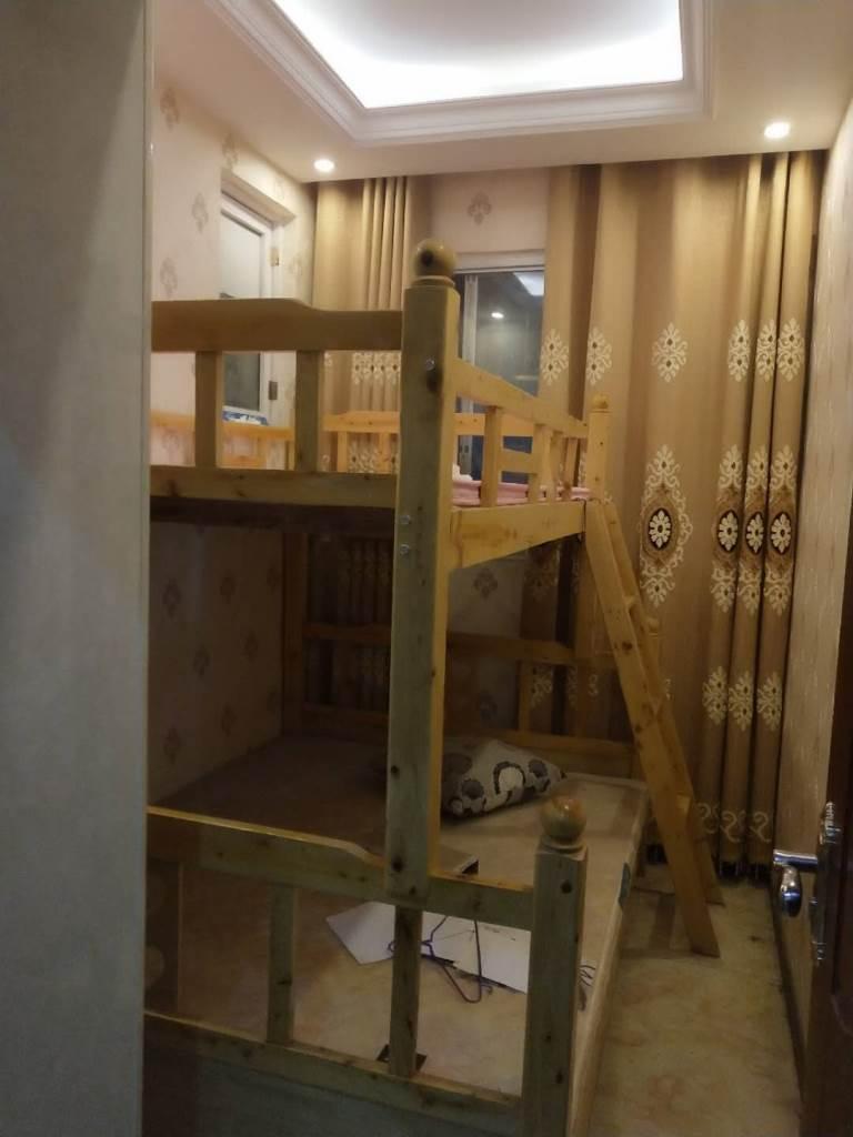 成辉雅居5室 2厅 2卫93.8万元