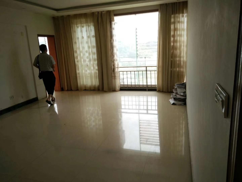 华泰阳光3室 2厅 2卫59万元