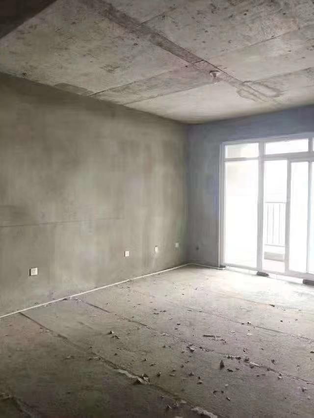 宏基王朝毛坯2室可改三室一口价52万元