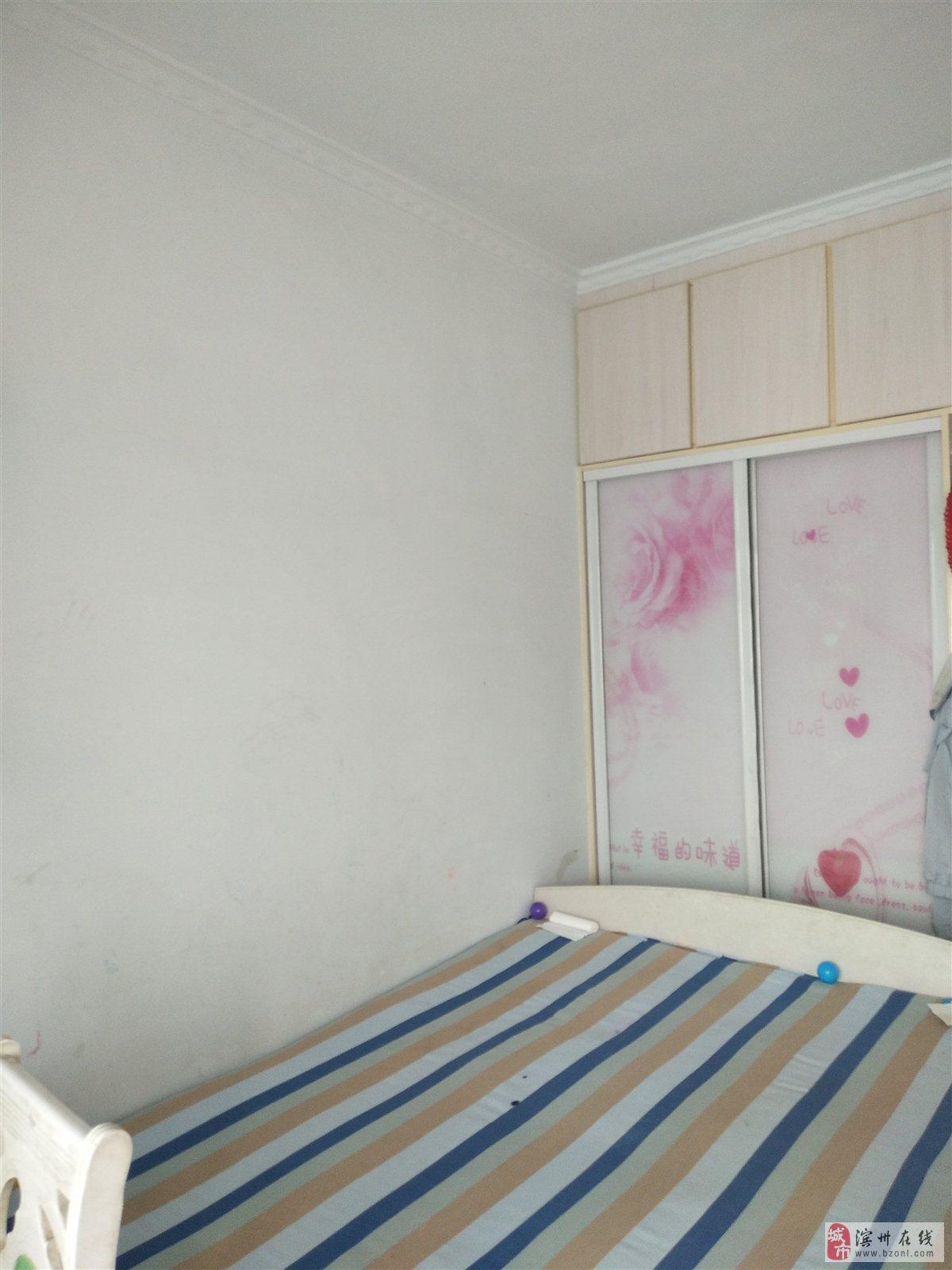龙禧花苑3室 2厅 1卫68万元