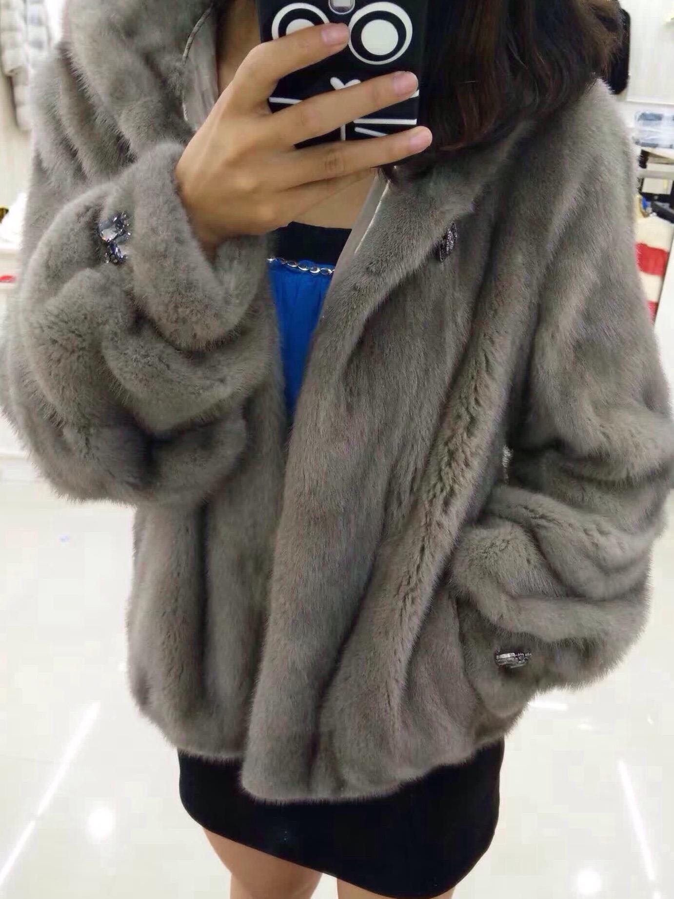厂家直销各种男女貂皮衣服,价格优惠