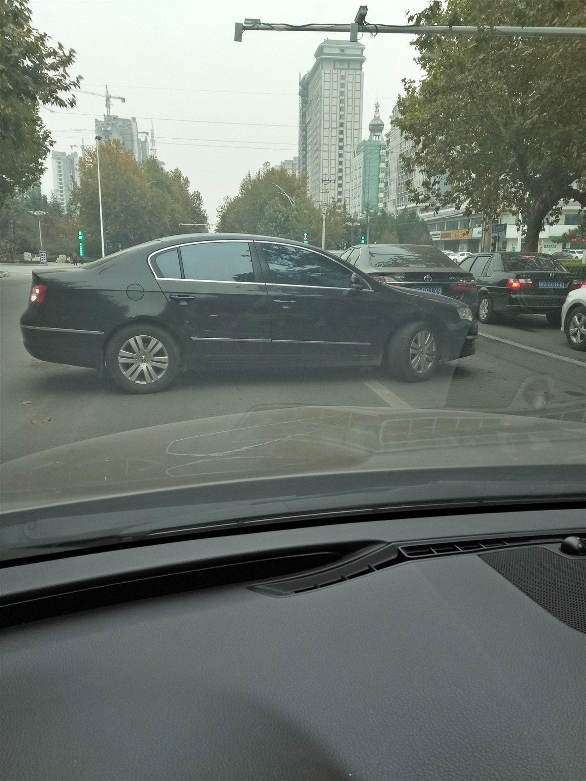 这样开车行驶真的合适么?