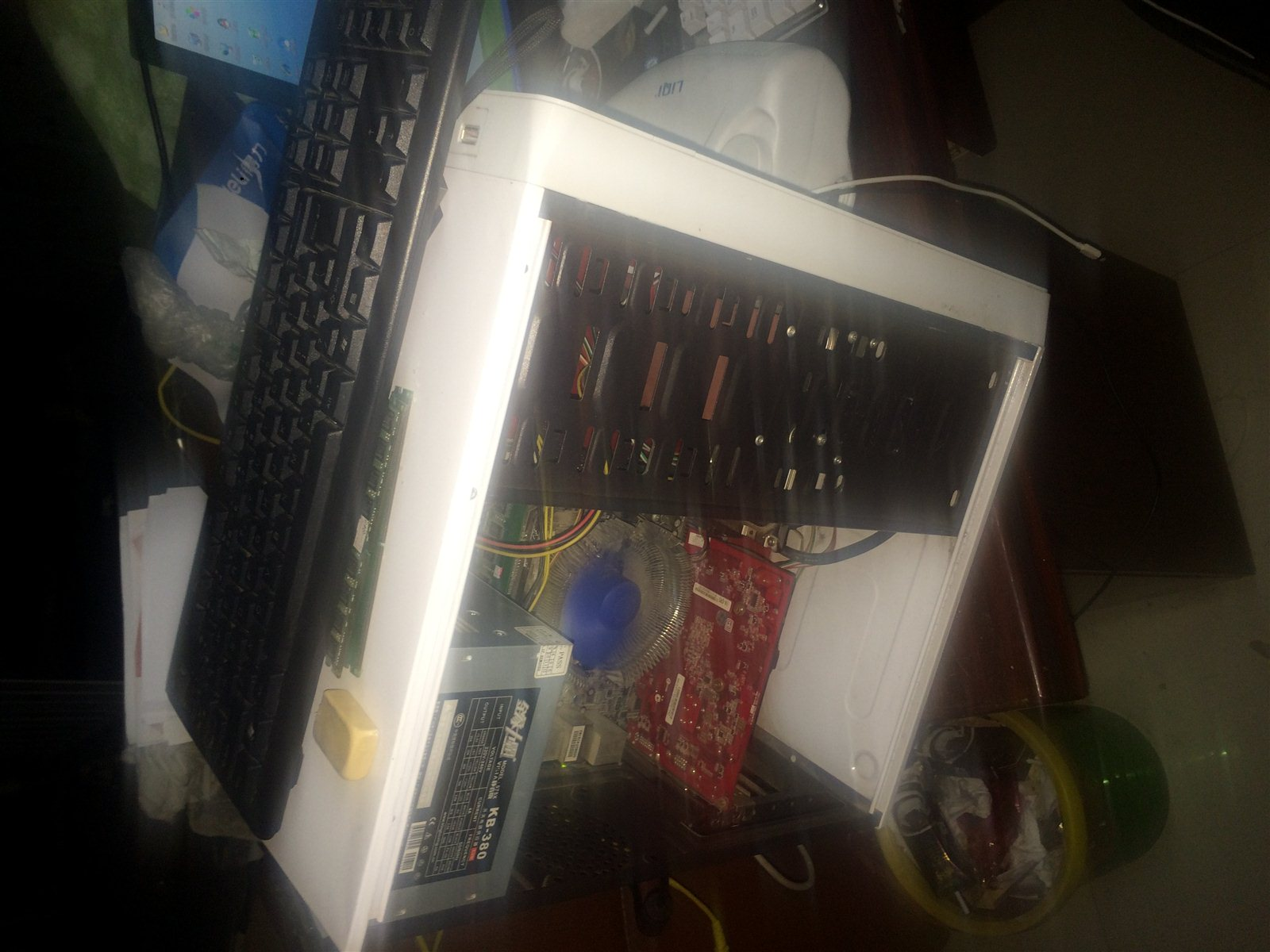 自用500g硬盘1g显卡4g内存19寸显示器送键盘