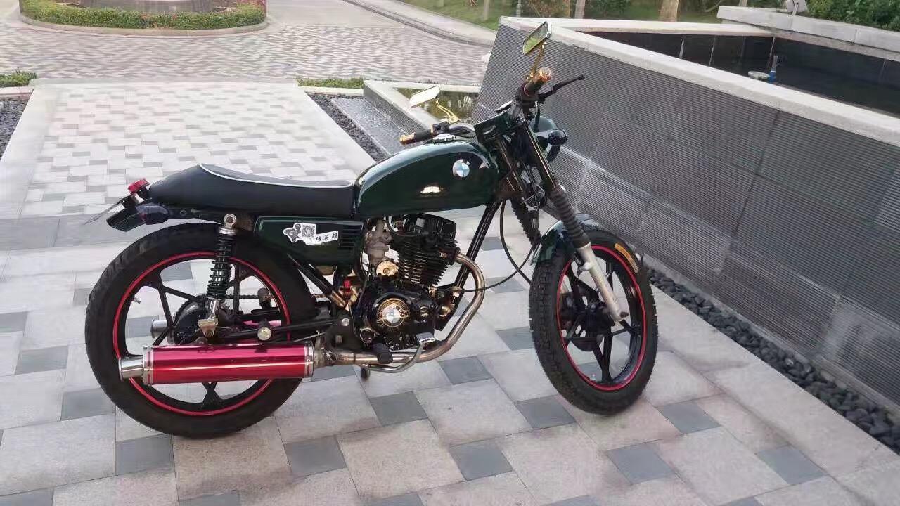 复古宝马摩托车改装版