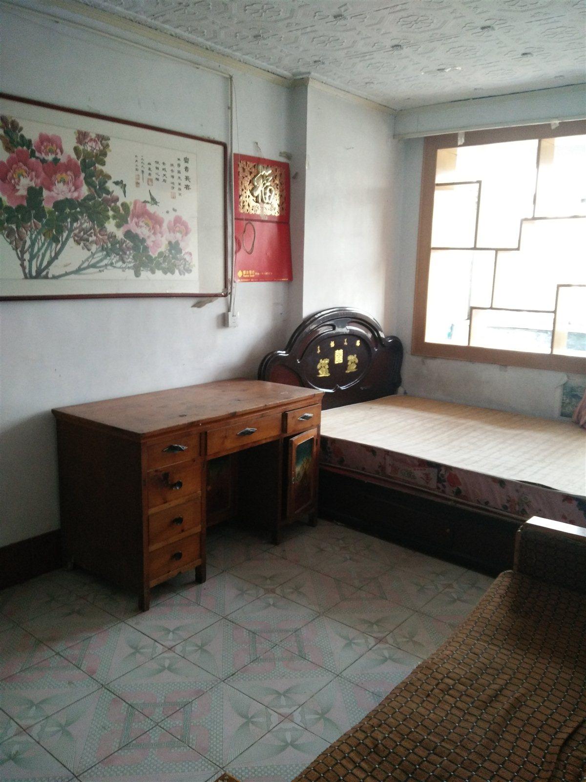 招远出租公园区2室1厅1卫750元/月