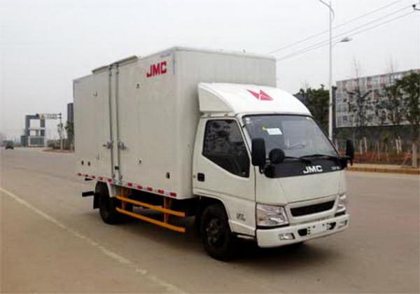 四米二厢式货车