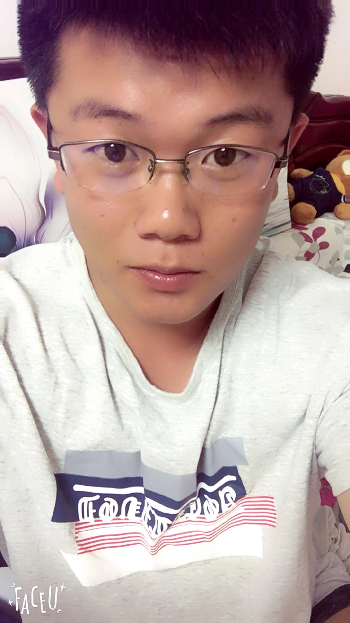 Huang...宇