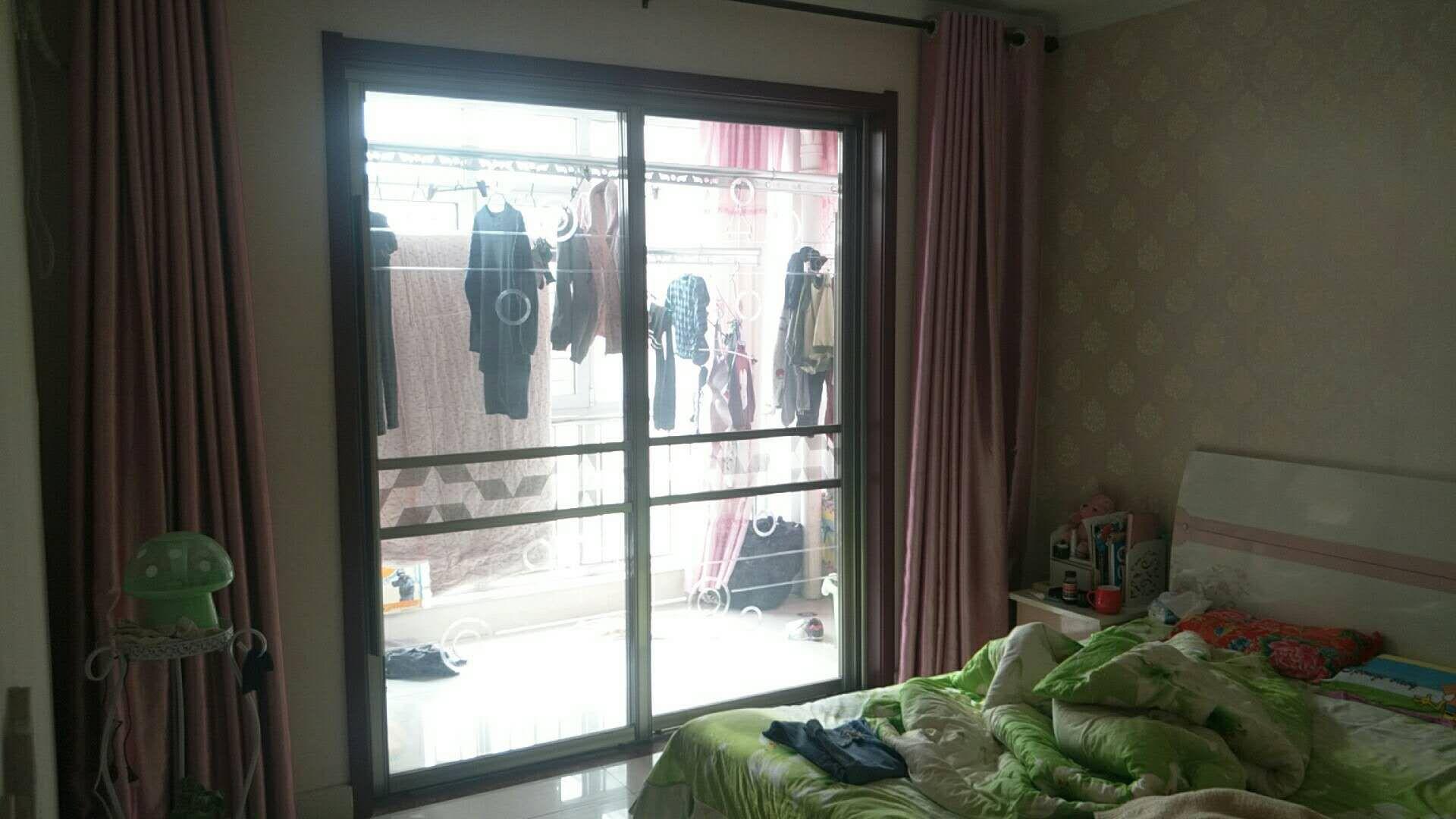 巴黎庄园3室2厅1卫67万元
