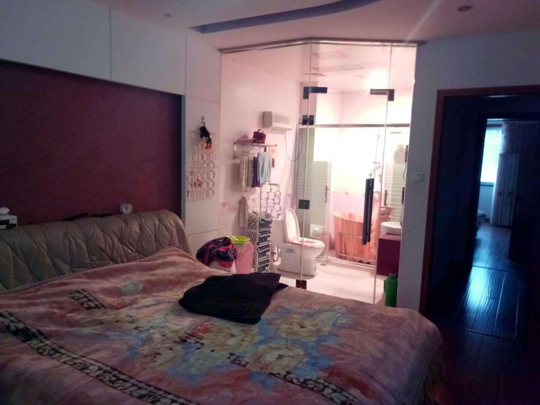 凤翔苑7室2厅4卫198万元