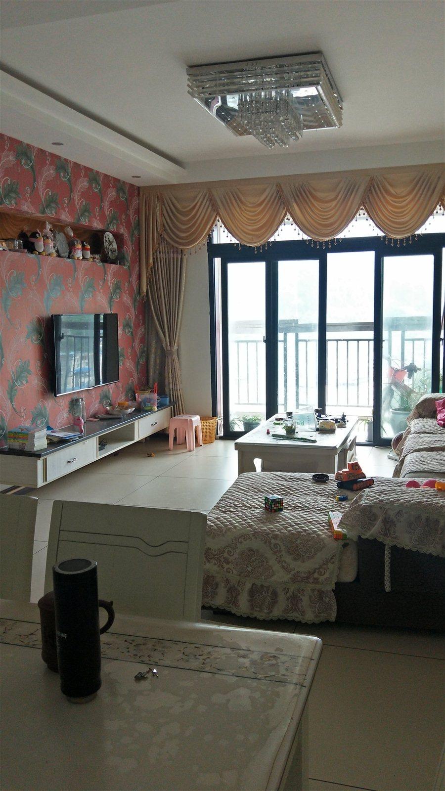 恒盛·伴山国际3室2厅2卫73.8万元