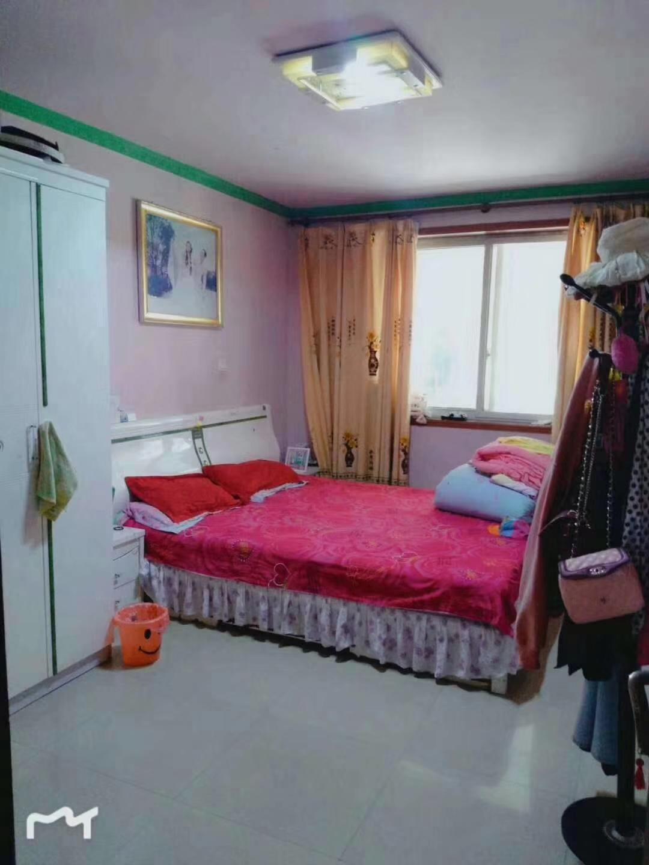 丽都花园3室2厅2卫82万元