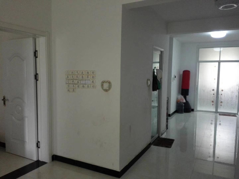 西苑华庭2室1厅1卫88万元