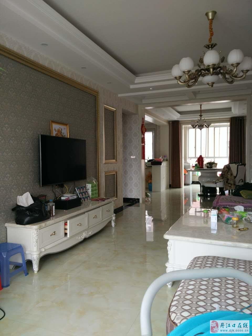 鸿昌玉景园三室二厅