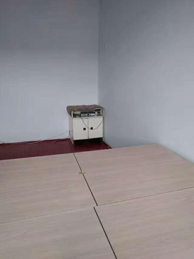 铁路新兴区2室1厅1卫7000元/年