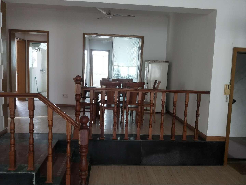 海正阳光3室 2厅 2卫76万元
