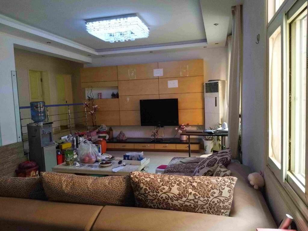 真正优质房!!润泰花园3室2厅2卫45万元