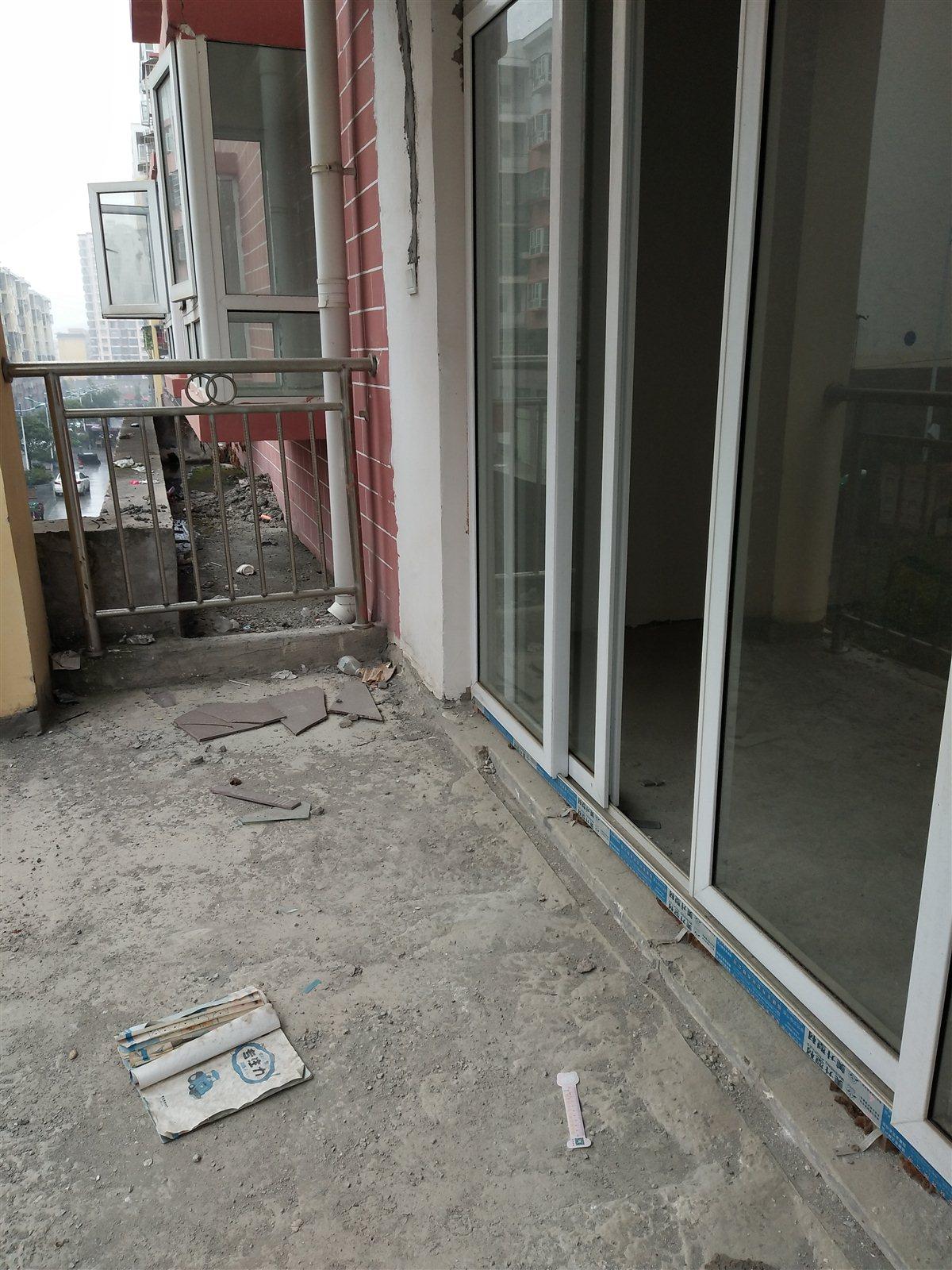 松江国际3室 2厅 2卫33.8万元