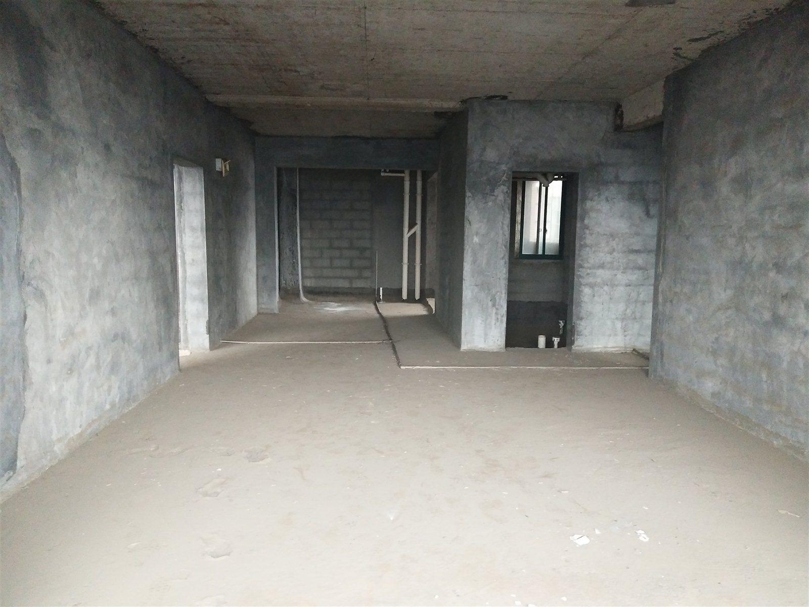 桃源大厦4室 2厅 2卫63万元