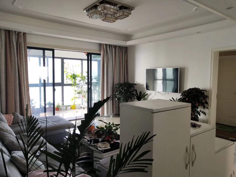 黄金海岸4室 2厅 3卫168万元