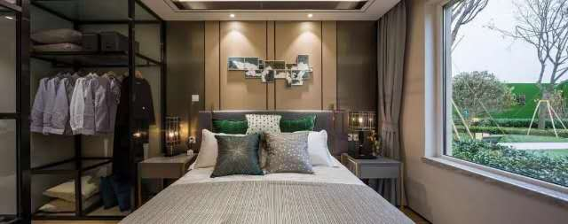 中南3室 2厅 2卫78万元
