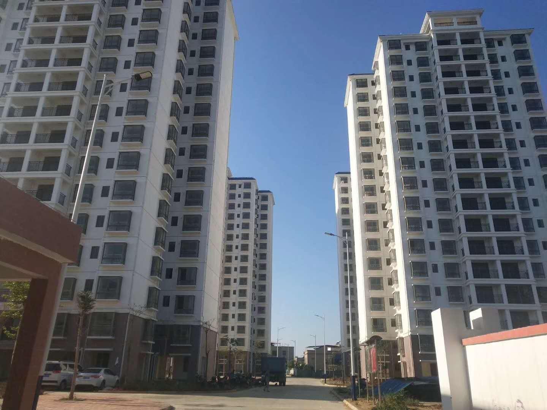 颐民小区(名豪酒店后面)3室 2厅 2卫79万元