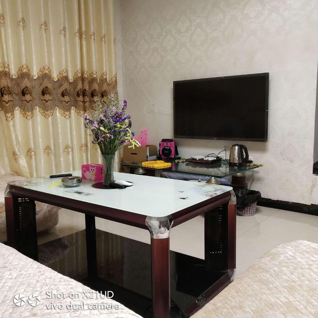 龙凤华庭3室 2厅 2卫38万元