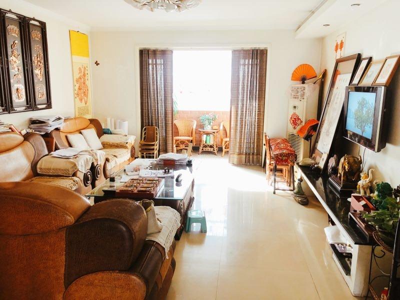 滨河帝城4室 2厅 2卫110万元