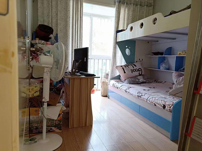 碧水兰庭3室 2厅 2卫64.8万元