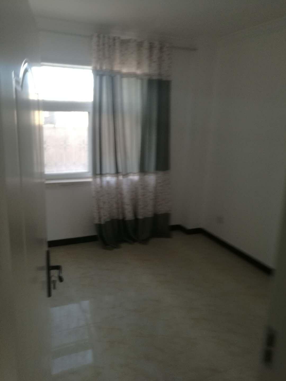 中央公园3室 2厅 2卫63万元