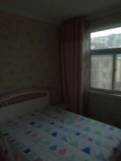 桂花园3室 2厅 2卫57万元