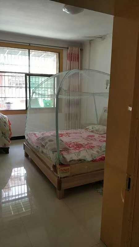 锦绣华城3室 2厅 1卫70.6万元