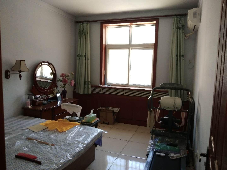 长安西区3室 2厅 2卫130万元