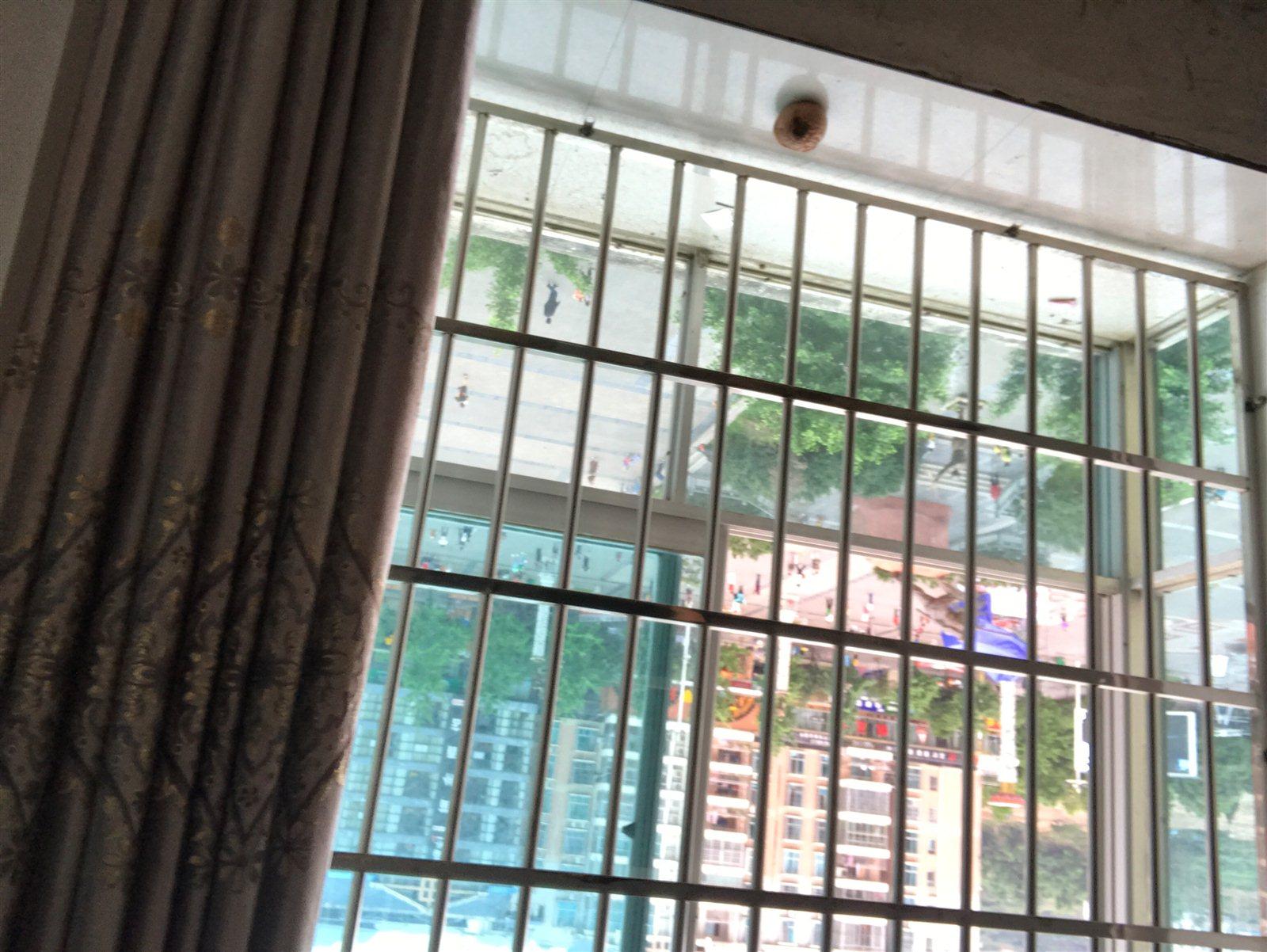 世昌广场小区3室 2厅 2卫55万元