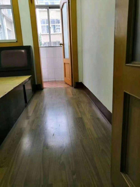 梅花小区2室 2厅 1卫42.6万元