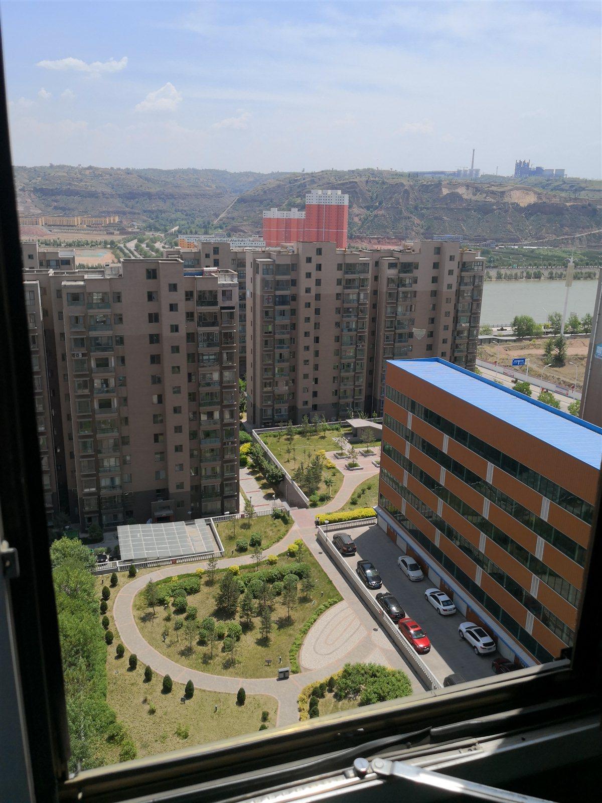 新区经济适用房3室 2厅 2卫面议