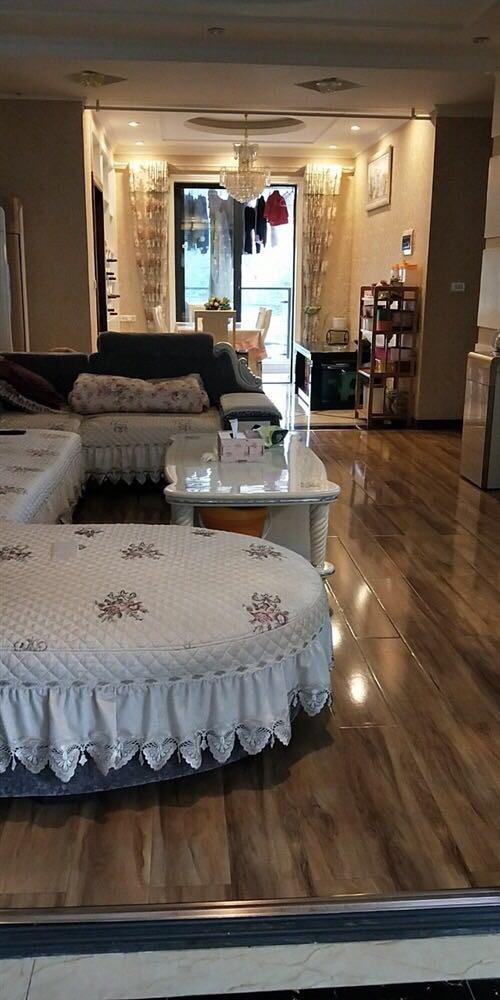 蓝山郡3室 2厅 2卫68.8万元
