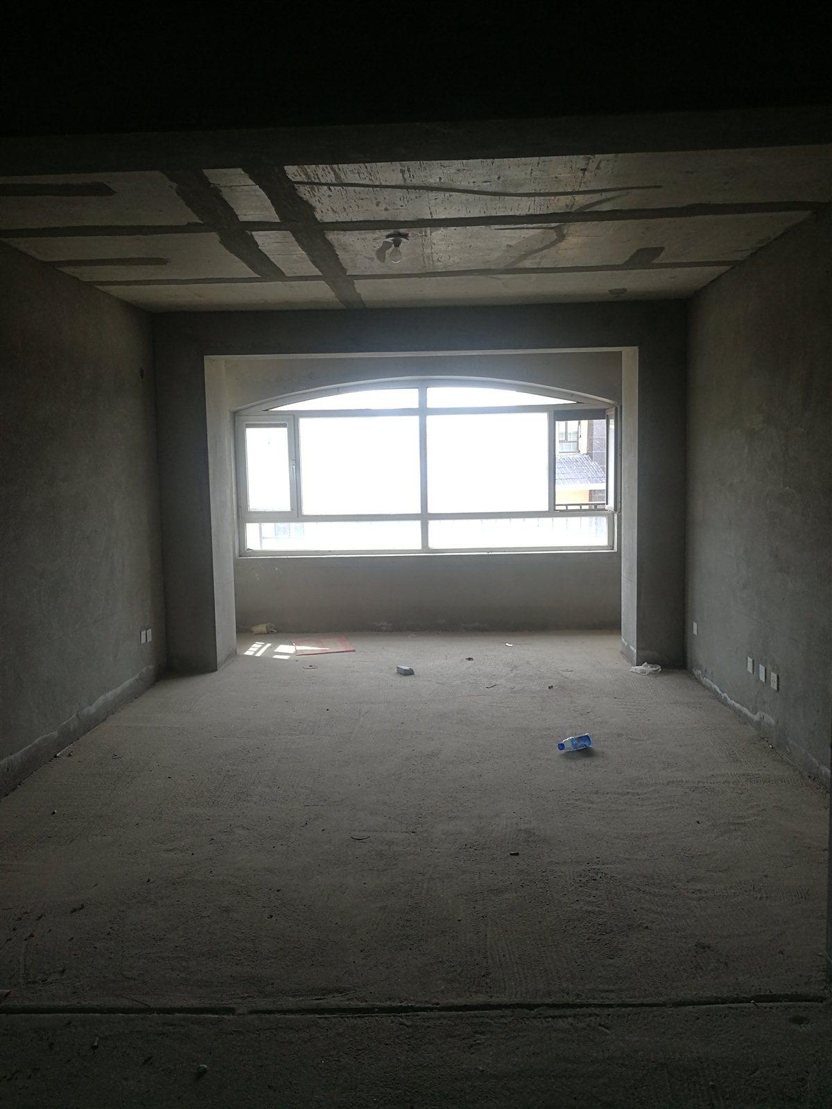 疏勒家苑3室 2厅 2卫74万元