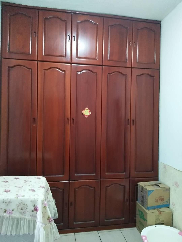 光荣五区2室 1厅1厨 1卫13.5万元