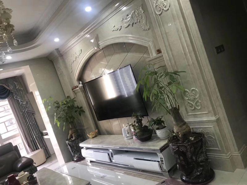 尚學領地113平方豪華裝修帶車庫僅售190萬元