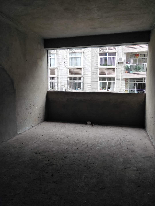 急售萬興華庭3室 2廳 2衛33萬元