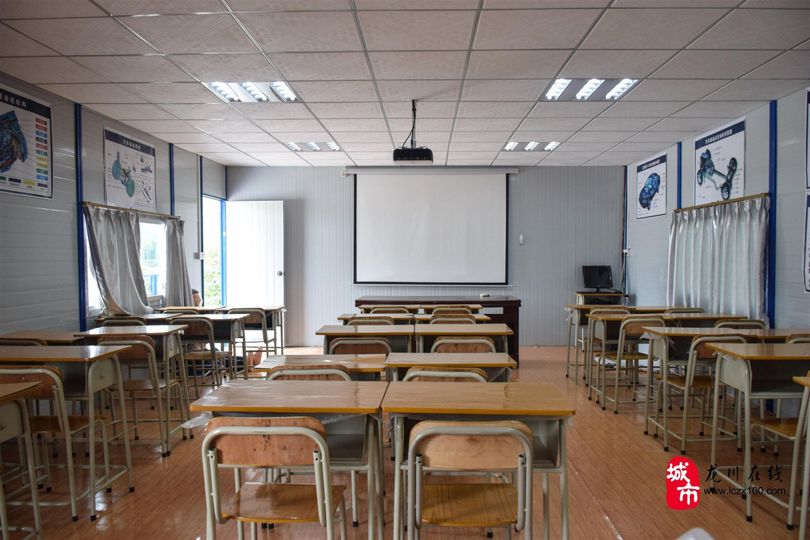 教室安电扇电路图