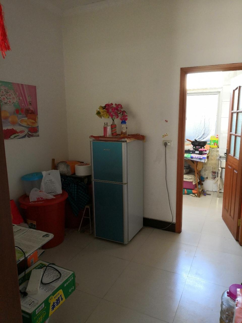 中兴融园2室 2厅 1卫46.8万元